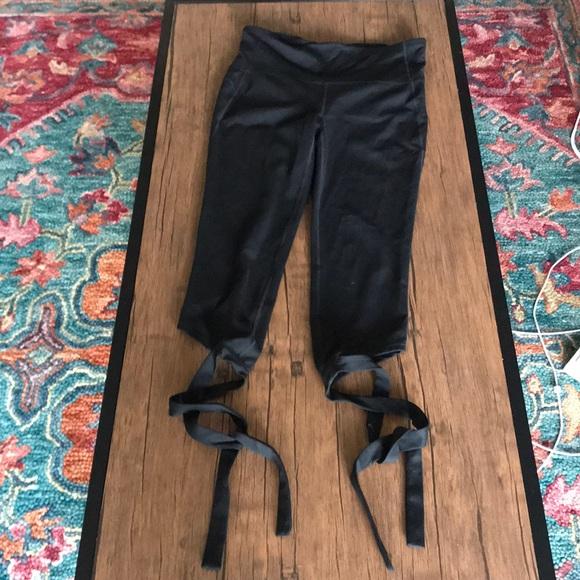 GAP Pants - GAP FIT ballerina tie leggings